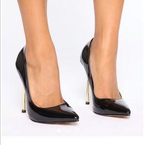 Black pumps from Fashion nova